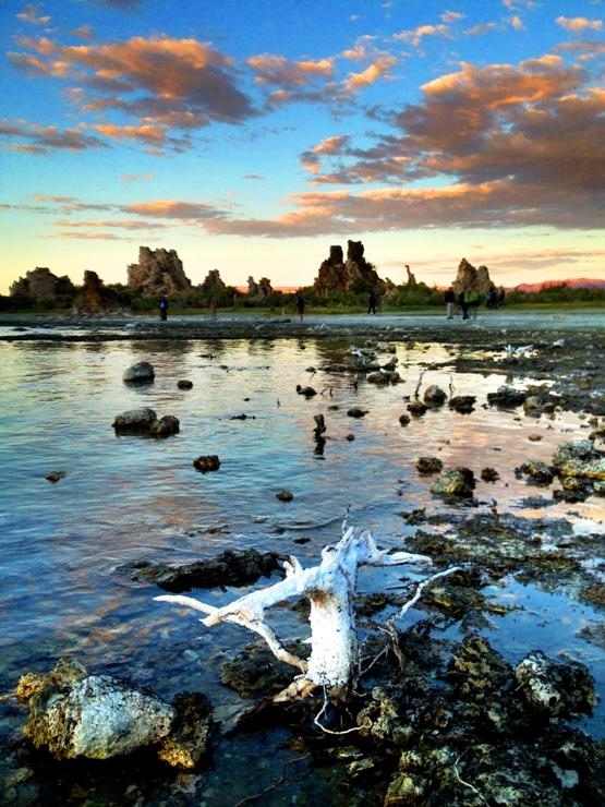 Mono Lake at Sunset 蒙蘿湖日落 (鄭向陽iPhone手機拍攝)