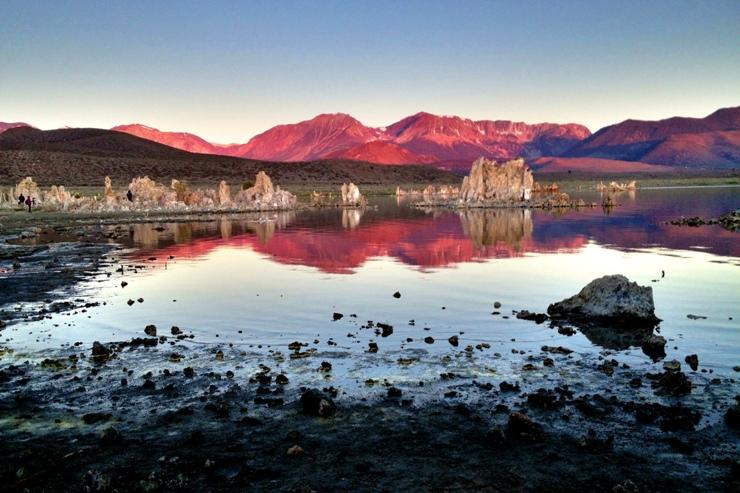 Mono Lake at Sunrise 蒙蘿湖日出 (鄭向陽iPhone手機拍攝)